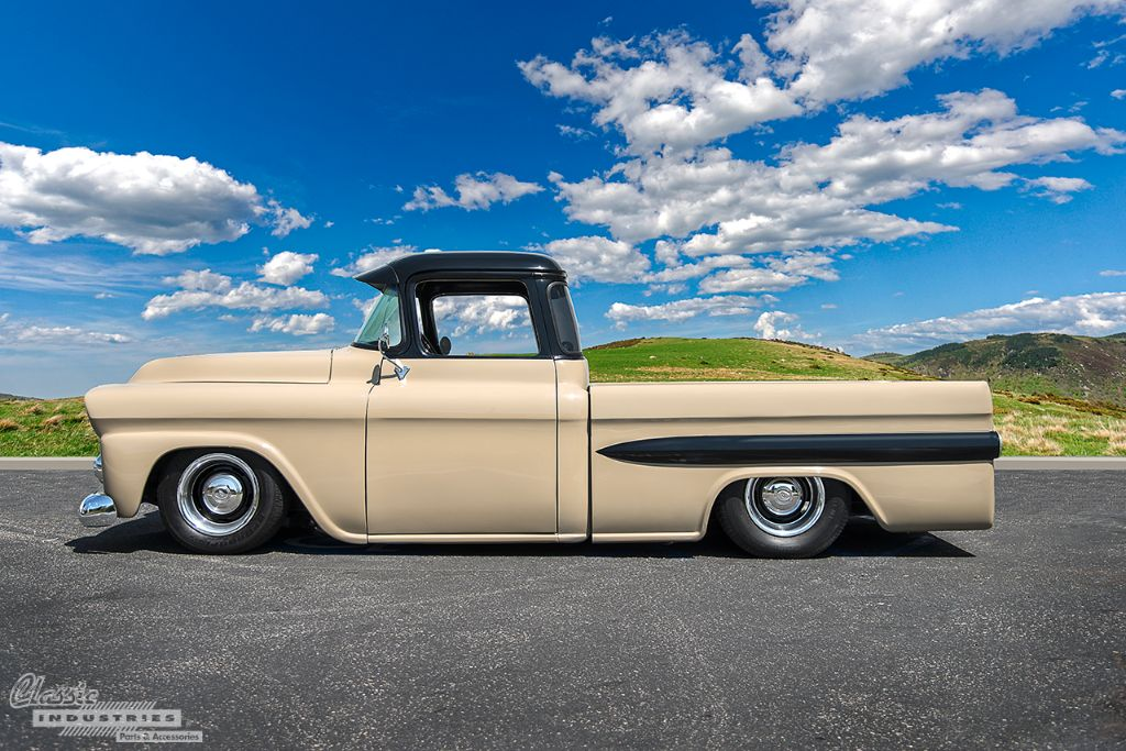 1958 Chevy Apache Restomod Slammed 454